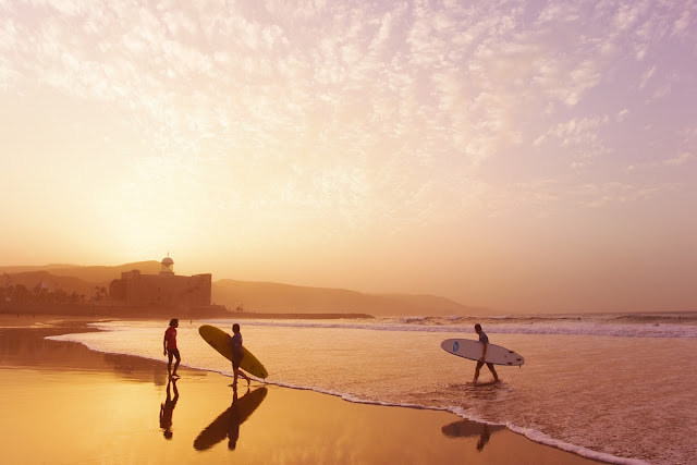 picture of surfers at the Canary Islands