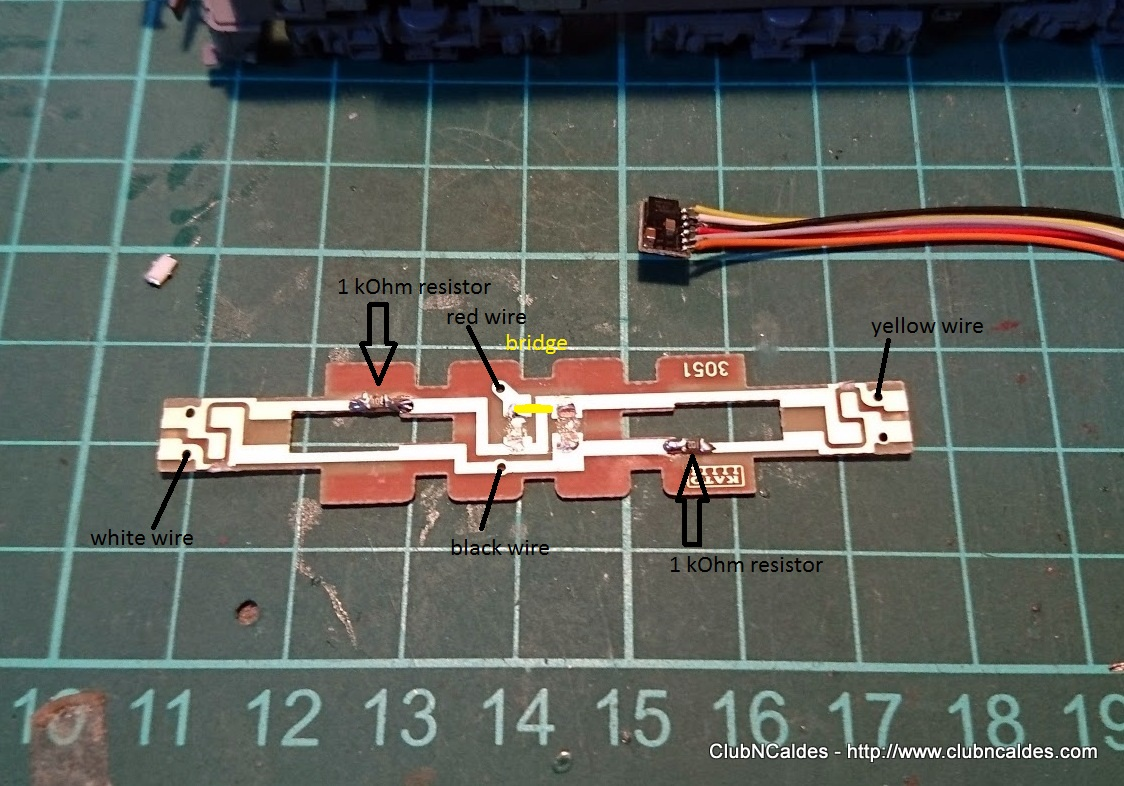 Club N Caldes Ef210 100 Kato 3034 3 Digitalization Dcc Digitrax Wiring Track Board Preparation You Can Solder Decoder Wires Lift The Motor Plates And Make Sure They Are Well Isolated Not Touching Any Other Cooper