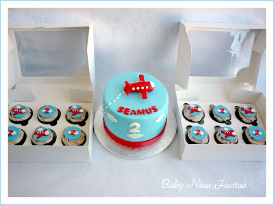 tarta cupcakes avioncito rojo