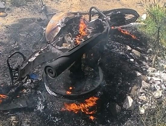 Moto é encontrada incendiada em Santa Cruz do Capibaribe