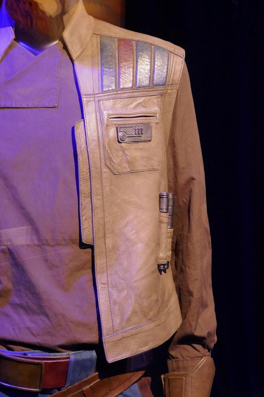 Finn vest detail Star Wars Rise of Skywalker