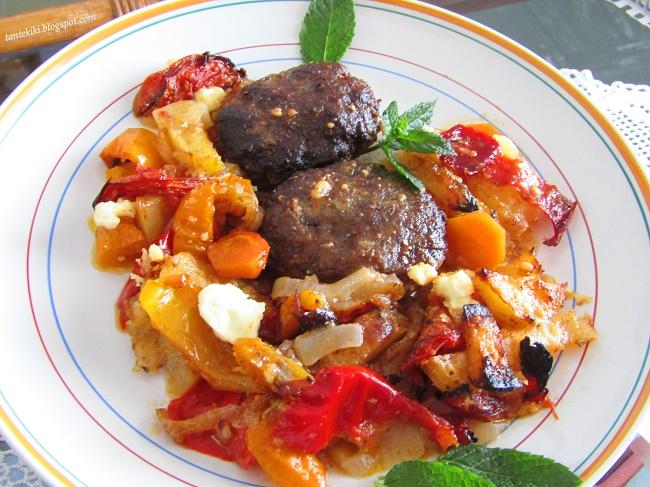 Μπιφτέκια με λαχανικά στον φούρνο