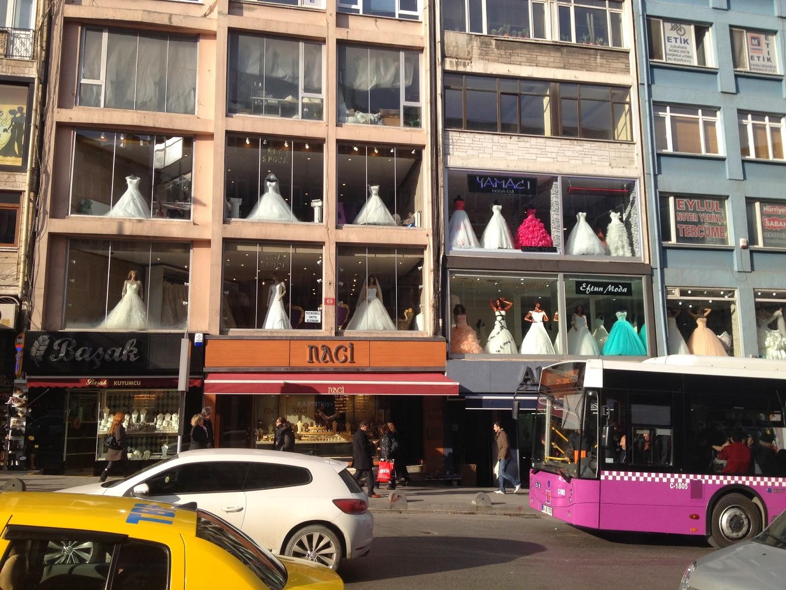 Magasin de robe de soiree a istanbul