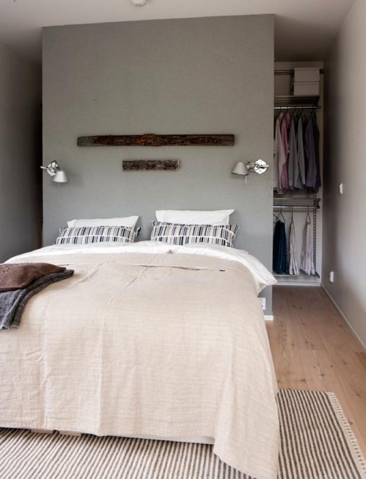 Cabina armadio dietro letto decora la tua vita for Design moderno del letto