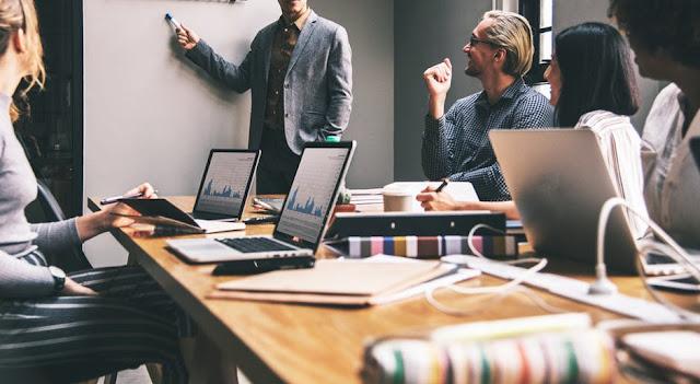 Hal yang perlu dipikirkan dalam persaingan bisnis