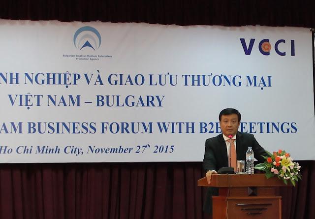 Ông Nguyễn Thế Hưng, Phó Giám đốc VCCI-HCM, phát biểu tại Diễn Đàn