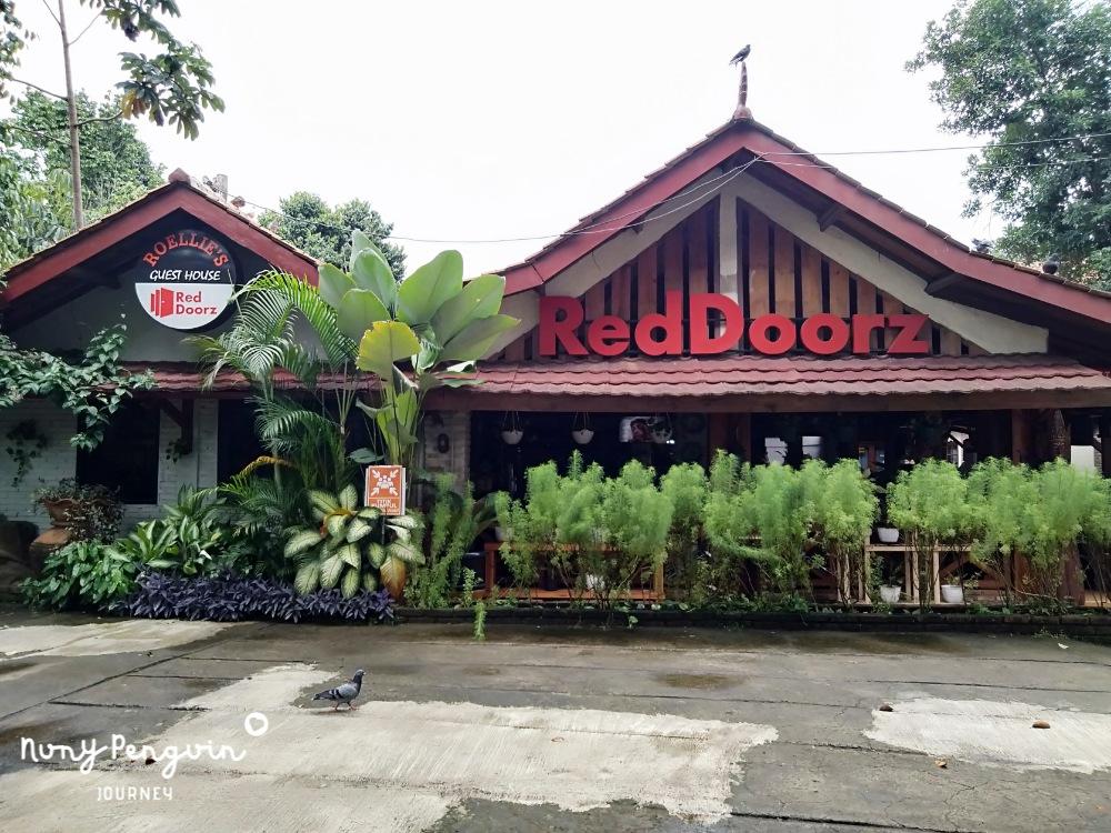 Roellie S Guesthouse Rekomendasi Menginap Dekat Trans Studio Cibubur