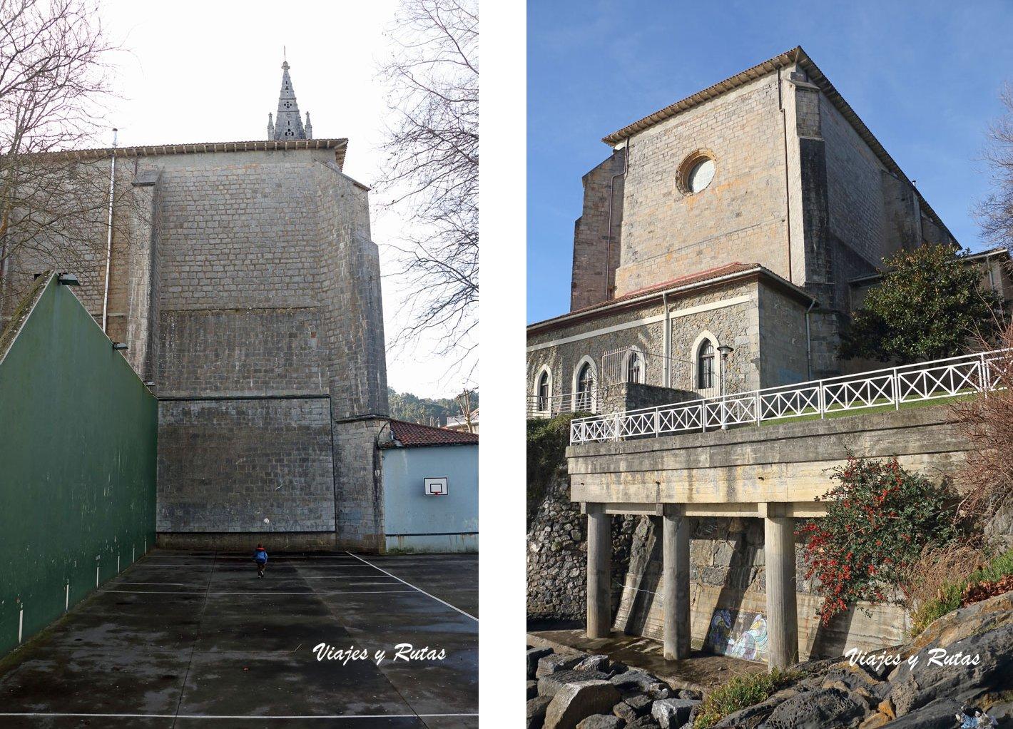 Frontón e iglesia de Santa María de Mundaka
