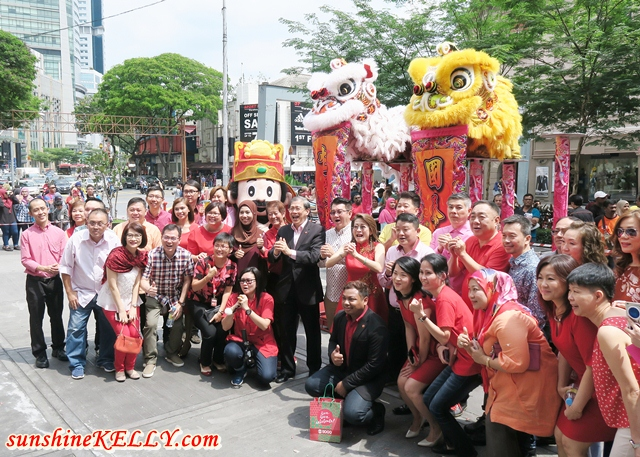 Chinese New Year 2017 Lion Dance & Lou Sang @ KL Sogo