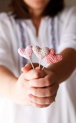 mini crochet hearts