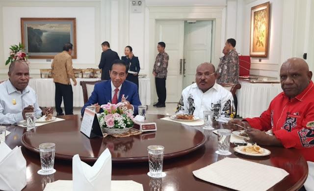 Ini Hasil Pertemuan Presiden Dengan Gubernur Papua Soal Divestasi
