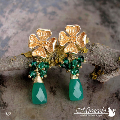 Miracolo, onyks zielony, zielone kwarce, kolczyki kwiatki, green onyx earrings