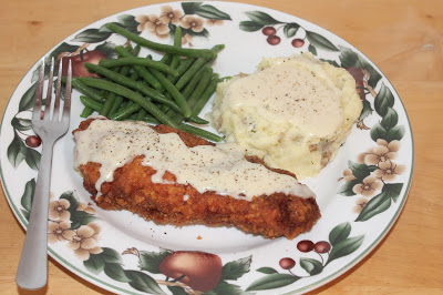 Featured Recipe | Chicken Fried Chicken with Milk Gravy from Savory Moments #SecretRecipeClub #recipe #chicken #maindish