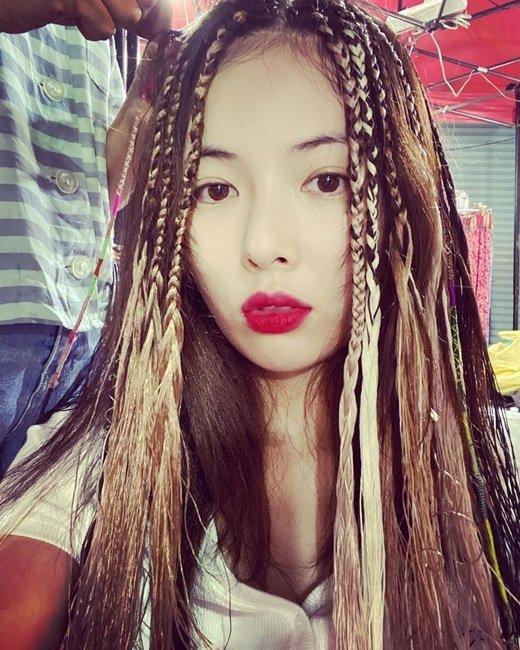 Hyuna'nın 'reggae' tarz saçı konuşuluyor