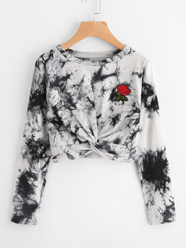https://www.shein.com/Rose-Embroidered-Patch-Water-Color-Twist-Sweatshirt-p-443196-cat-1738.html?utm_source=blog&utm_medium=blogger&utm_campaign=treschicbypaulina_gl&url_from=treschicbypaulina_gl