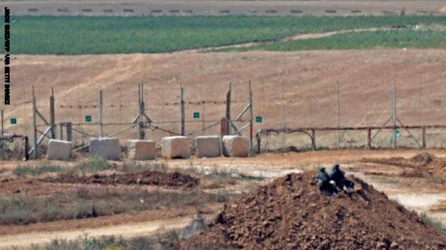 الجيش الإسرائيلي: أطلقنا النار على 3 فلسطينيين ألقوا عبوات ناسفة بعد عبورهم السياج الأمني من غزة