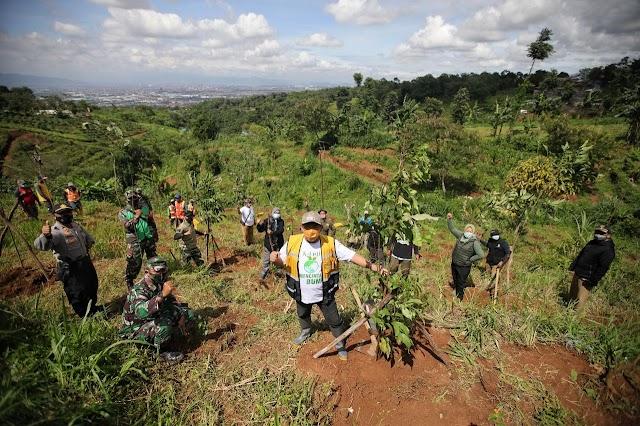 Tanam 2018 Pohon, Pemkot Bandung Terus Hijaukan Blok Garung