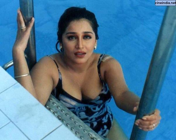 Celebrity Hq Wallpapers Madhuri Dixit Photo Album-5095