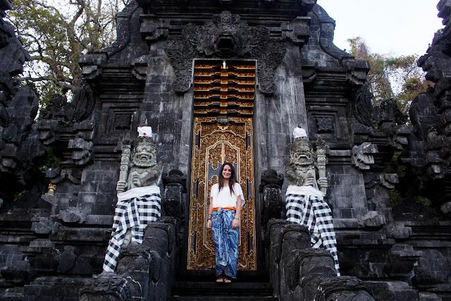 Puerta de Goa Lawah