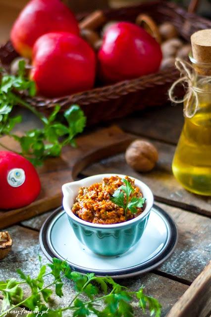 czerwone-pesto-z-suszonych-pomidorow