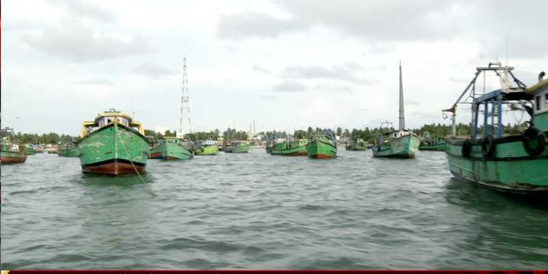 வடமராட்சி கிழக்கில் அத்துமீறிய 1400 சிங்கள மீனவர்கள்