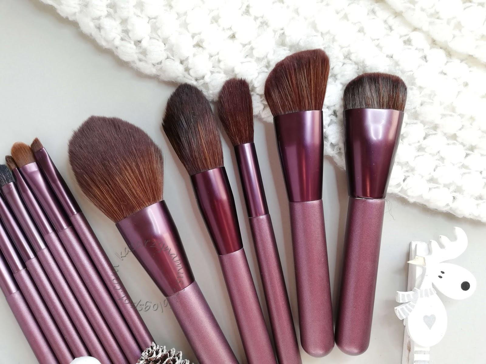 Fioletowy zestaw miękkich pędzli do makijażu z Aliexpress