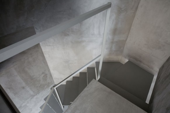 And out architecture as japanese lifestyle is based on minimal simplicity and self reflection and while this super narrow apartment may look absurdly