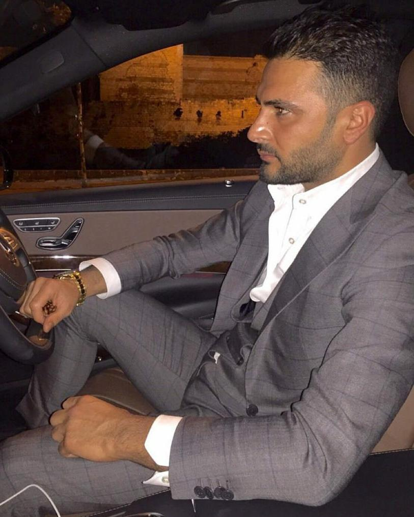 suited-gentleman-car