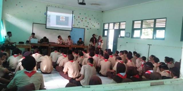Saka Wira Kartika Gunungkidul Berbagi Materi Kesakaan di SMK Negeri 1 Girisubo