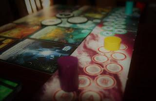 Not Alone el juego de mesa tablero