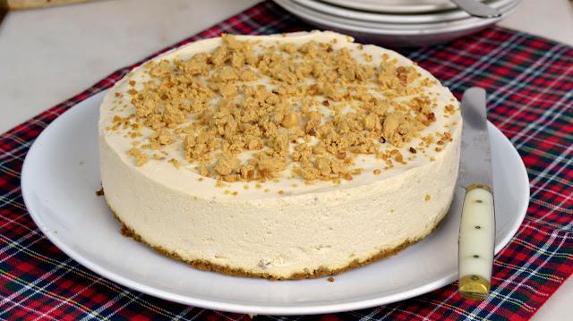 Tarta de queso y turrón, facilísima y sin horno