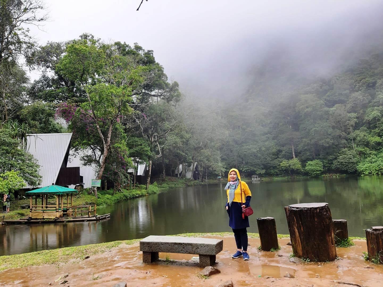 Wisata Telaga Warna Puncak yang Berkabut, Eksotik dan Misterius Nurul Sufitri Travel Lifestyle Blog
