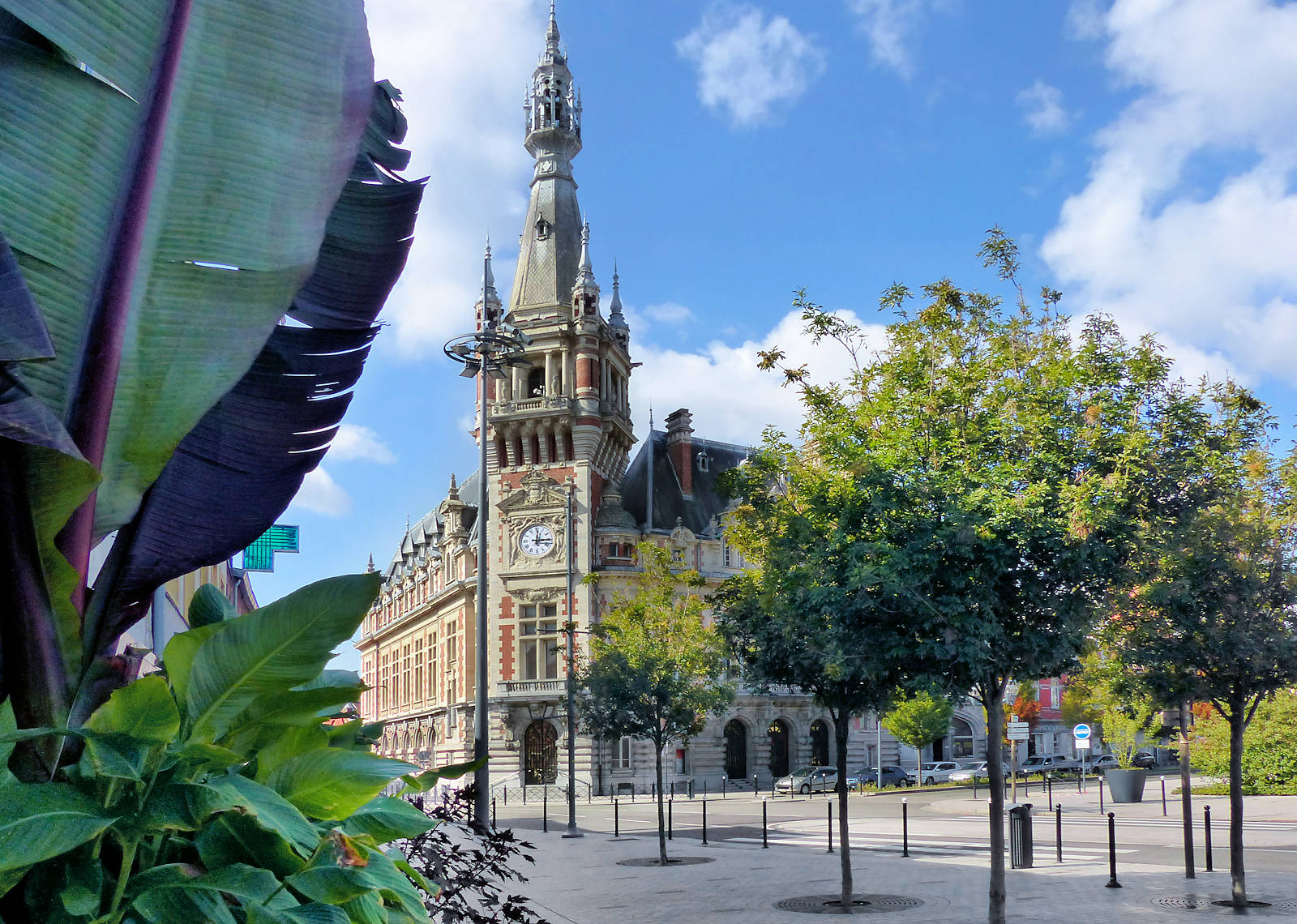 Passage Alfred Mongy Tourcoing - Place Roussel et Beffroi