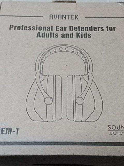 1f5f4b099a28c7 AVANTEKのイヤーマフを買いました。 商品説明によると遮音値は34dBで、耳栓の遮音値と同じかそれ以上の性能があります。  実際に使ってみると、人の話し声や車、風の音 ...
