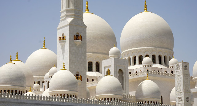 Why one should visit Abu Dhabi?