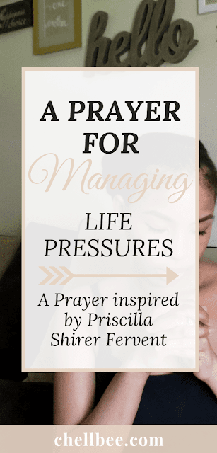 5 simple morning habits to become a Proverbs 31 woman. Plus a prayer to help you prioritize time with God. Proverbs 31 | Bible study | bible study printables | bible journaling tips | soap notebook | spiritual growth #spiritualgrowth #bibleverse #proverbs31 #biblestudy