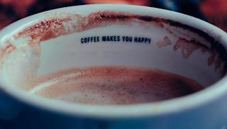 Στον πρώτο καφέ ξυπνάς, στον δεύτερο απολαμβάνεις