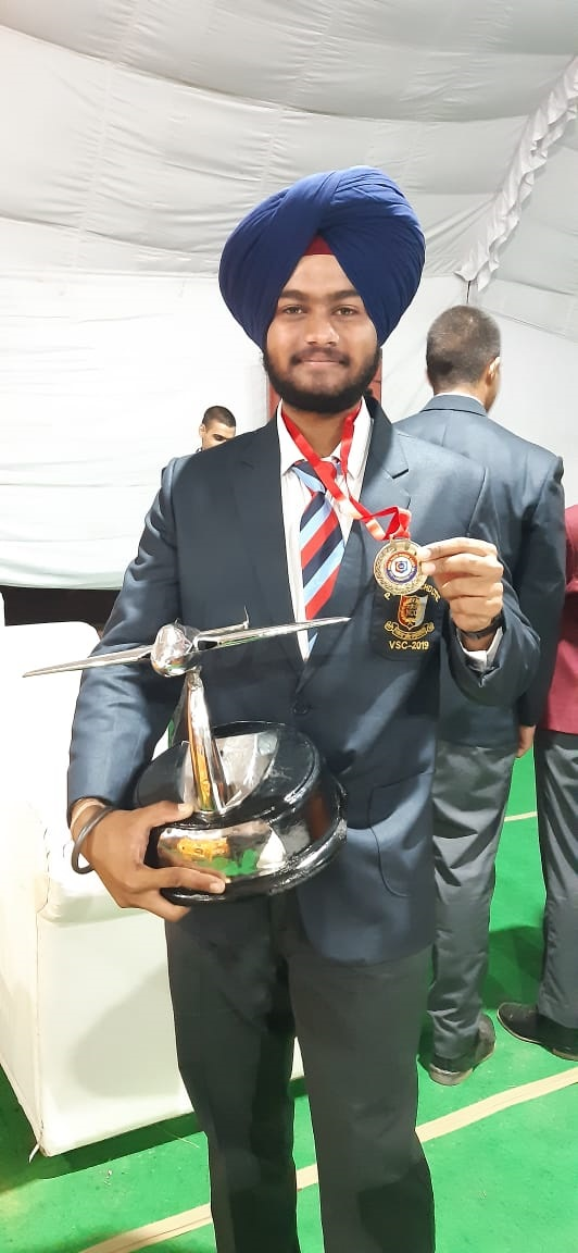 NCC Cadet of Chandigarh University Gharuan wins Gold Medal at All India Vayu Sainik Camp