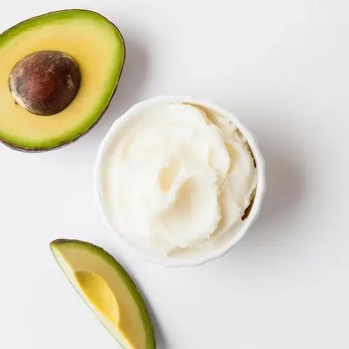 Theobobroma Cacao dan Persea Gratissima Oil (Avocado)