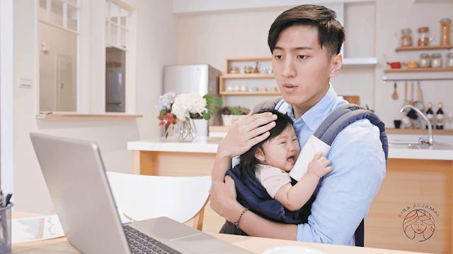 11سببا لبكاء الطفل