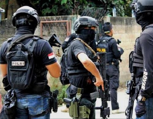 Densus 88 Tangkap Enam Terduga Teroris, Satu Diamankan di Batam