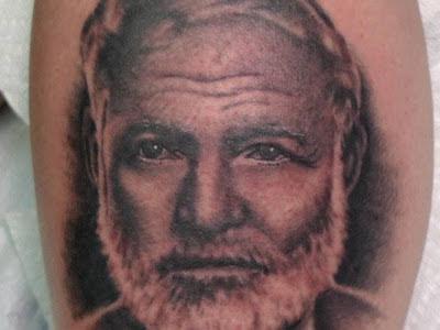 Tatuaje Ernest Hemingway