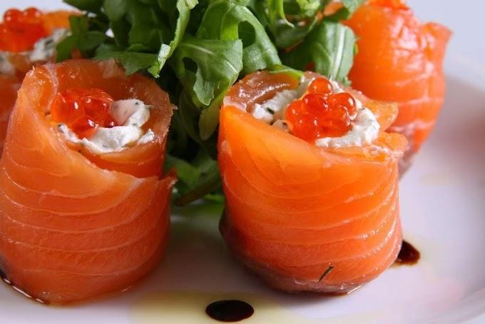 Простой рецепт рулетиков из лосося с сыром «Филадельфия»
