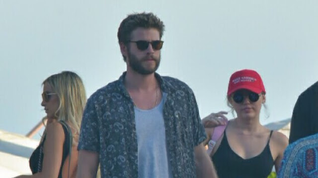 Miley Cyrus se burla de Donald Trump.
