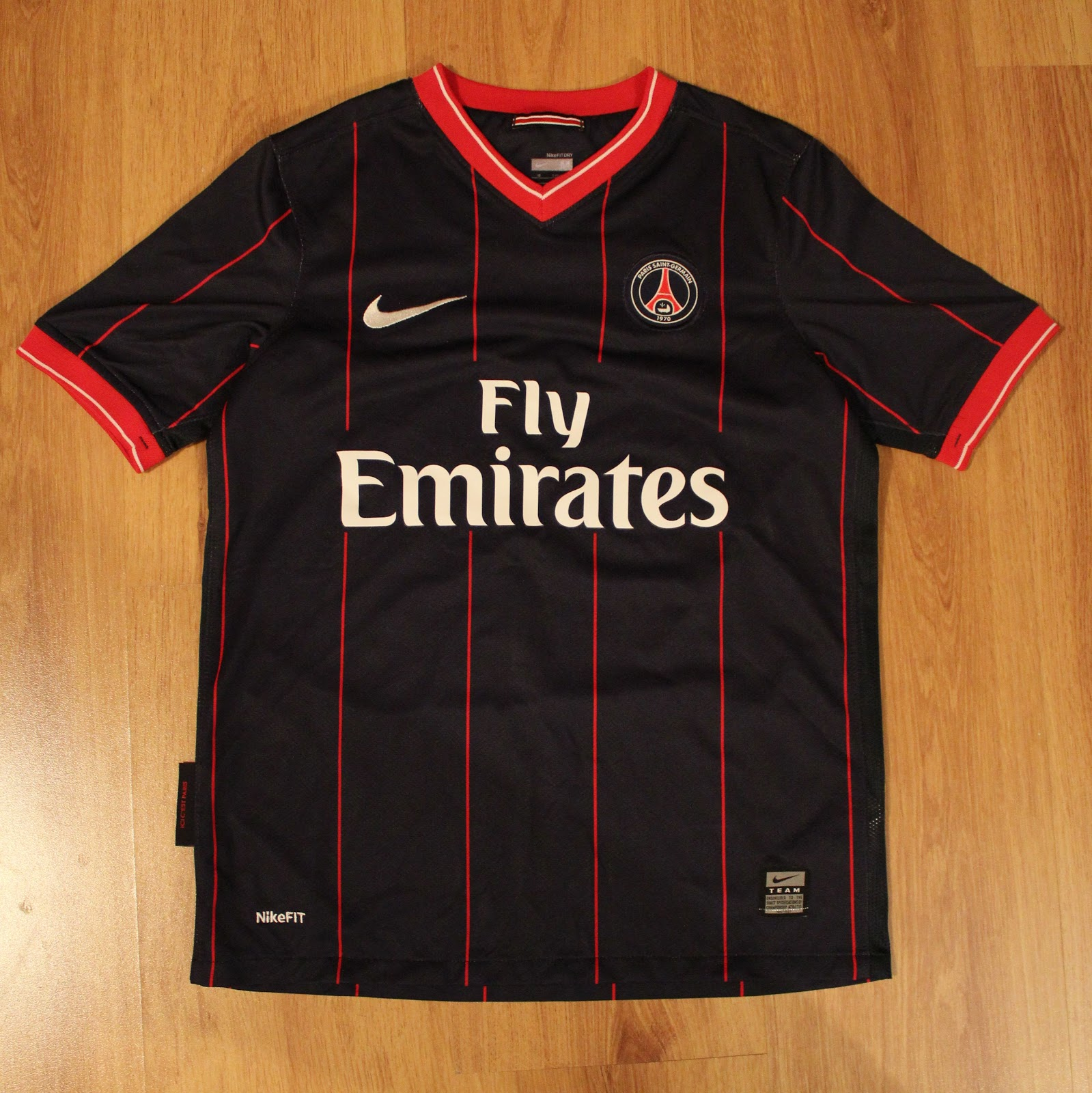 timeless design 0b56a 42978 Solana's football shirt collection: PSG 2009/2010 Home Kit