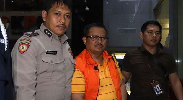 Bupati Indramayu Supendi Resmi Jadi Tersangka Suap di Dinas PUPR