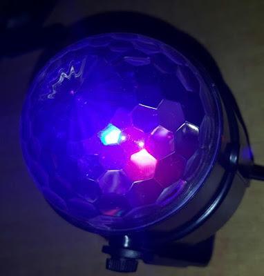 http://www.passaparolablog.com/2016/09/solmore-mini-lampada-luci-led-effetto.html
