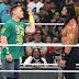 John Cena faz seu tão aguardado retorno a WWE e confronta Roman Reigns