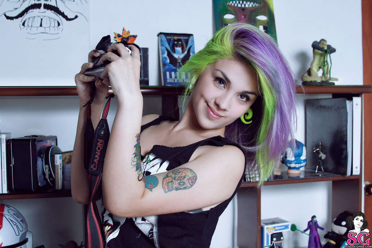 Kieve / Suicide Girls