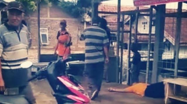 Jasad Pak Camat Dibiarkan Tergeletak di Pinggir Jalan Karena Takut Corona